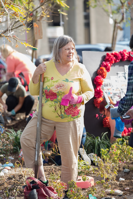 Healing Garden Memorial Las Vegas Volunteers
